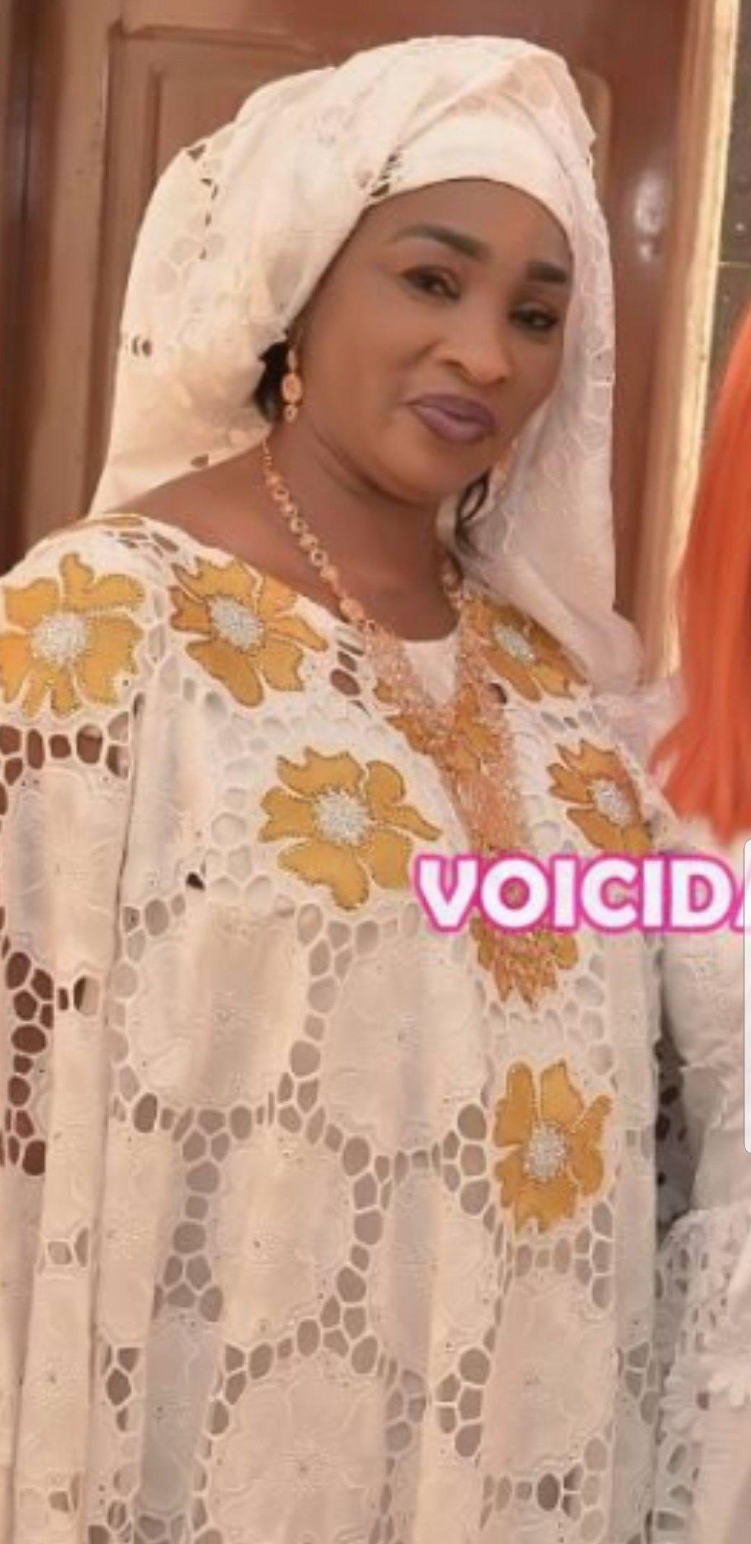 Épinglé par Seynebou Gueye sur robe dentelle Robe