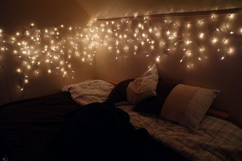 Merveilleux Wonderful, Magical And Economical Interior Design Idea: Add Christmas Lights/  Fairy Lights To Your Bedroom.