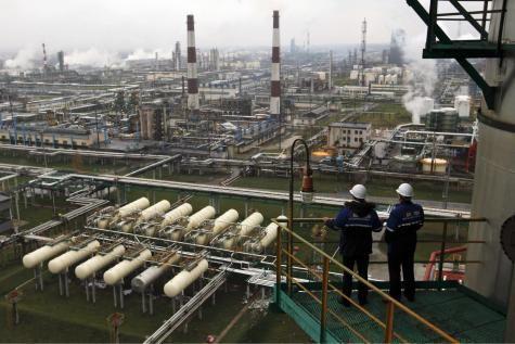 Les méfaits de la crise ukrainienne ont accéléré le ralentissement d'une économie qui, encore très dépendante des hydrocarbures, manque de nouveaux moteurs de croissance.