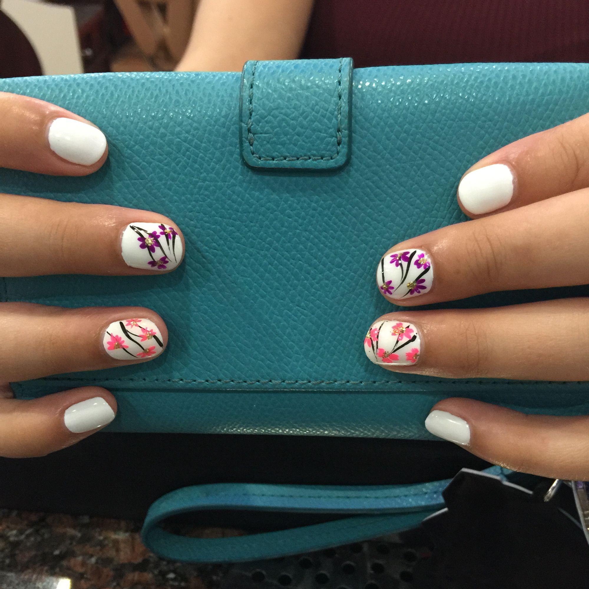 HannahQ nails and spa