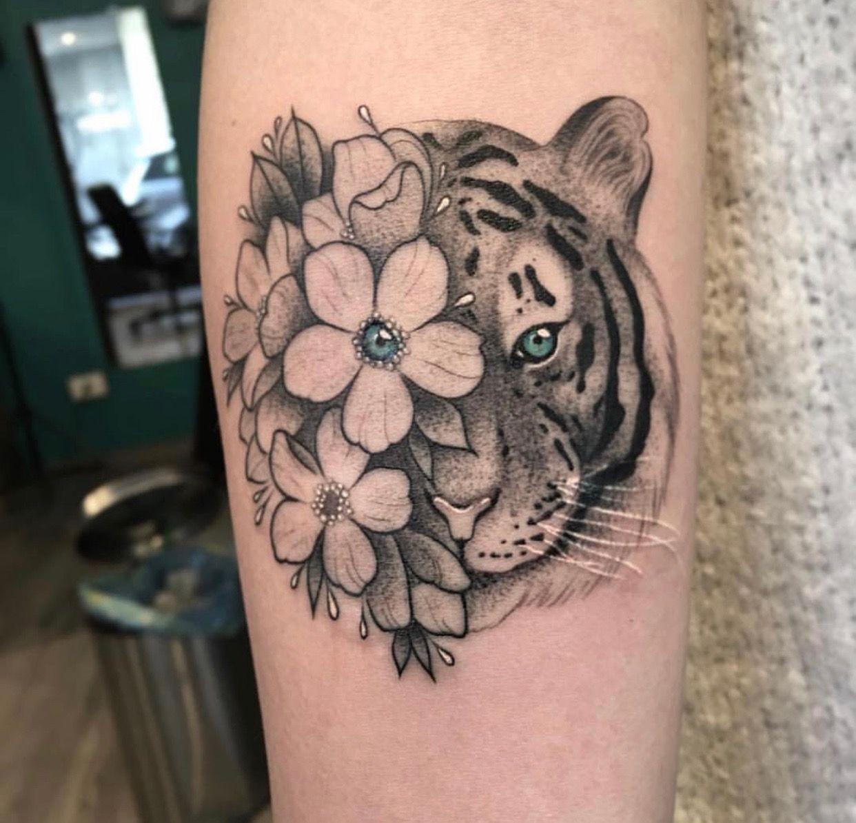 Pin By Karina On Tattoo Ideas Tiger Tattoo Tattoos Future Tattoos
