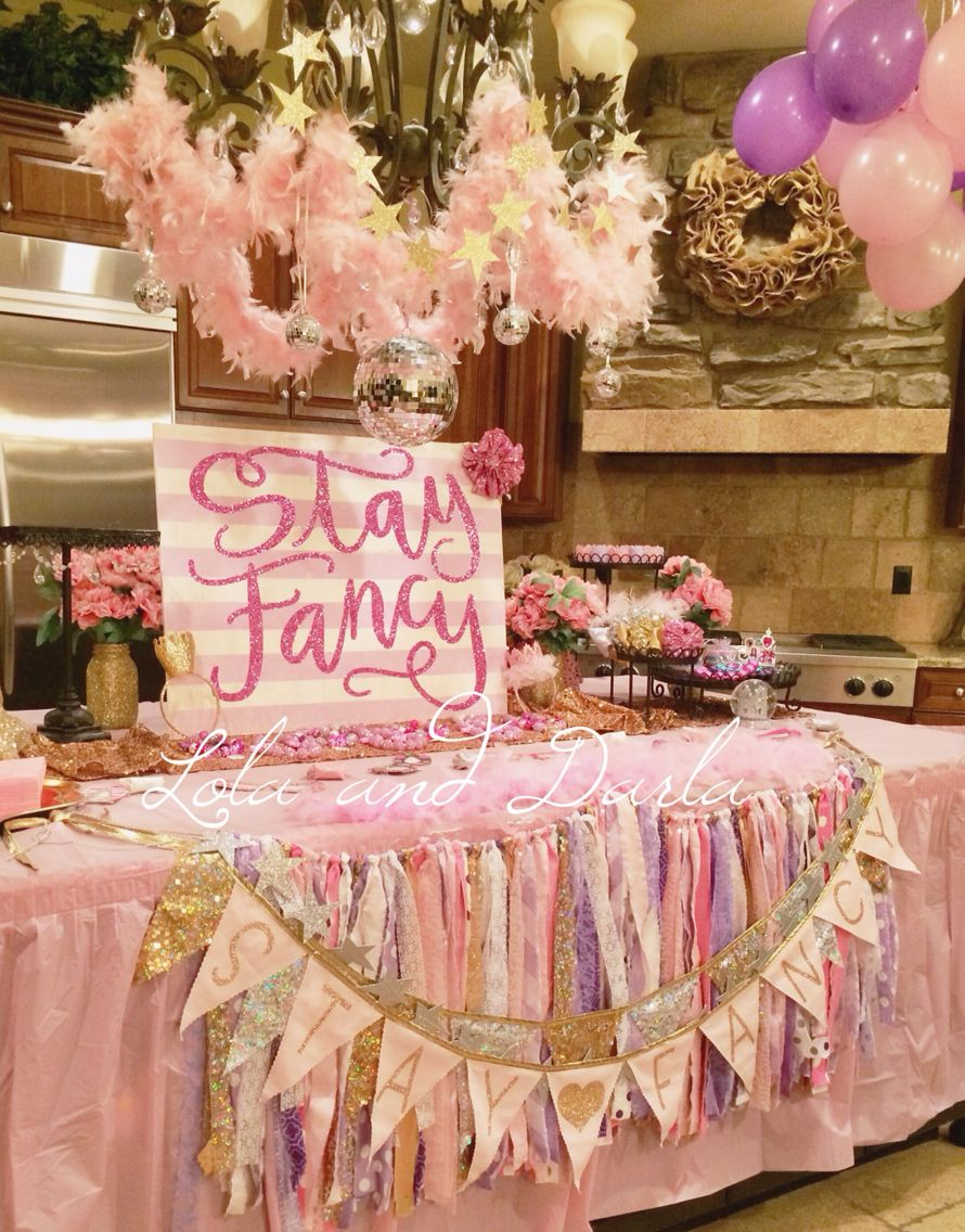 Fancy Nancy birthday party decorations. Stay Fancy