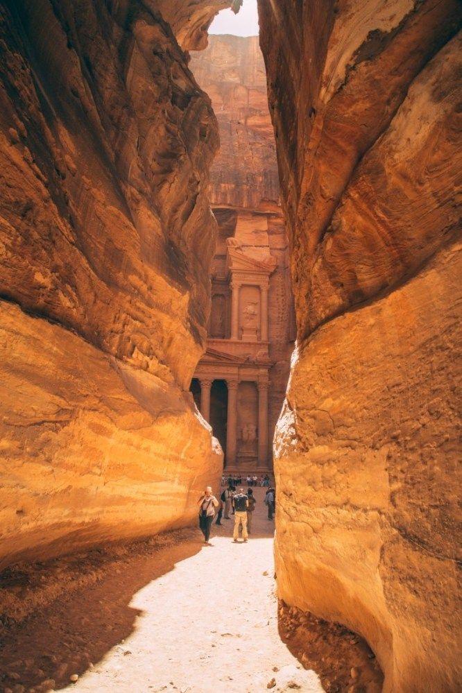 Petra, Jordan - 17 Things to Know Before Visiting the Lost City #petrajordan