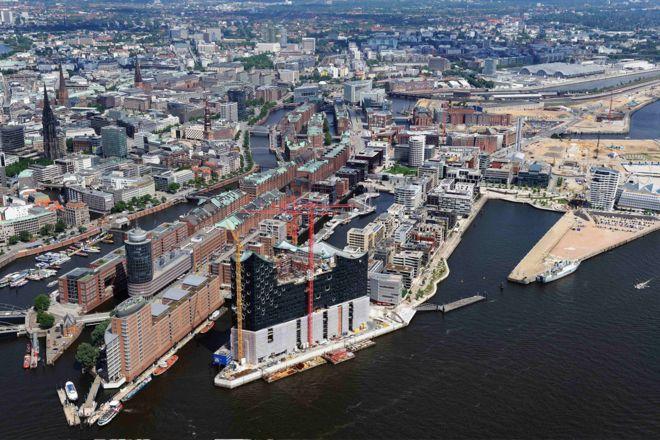 'HafenCity', operación urbanística que transforma Hamburgo ampliando un 40% el centro urbano con inversión de 13 M€ http://ow.ly/rnKa100j0ai