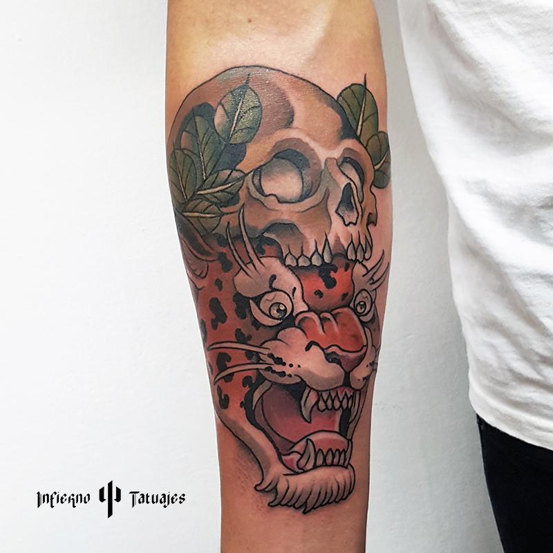 Tatuaje Tigre Con Craneo Tattoo En Brazo Tatuaje Tattoo Tattoos
