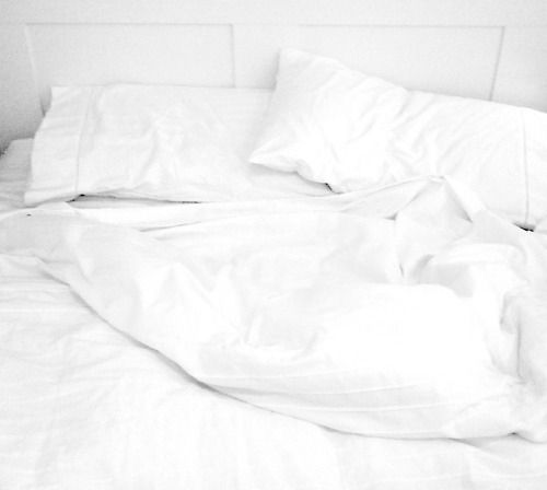 Sleeping In White Bed Sheets Health Healthy Weight