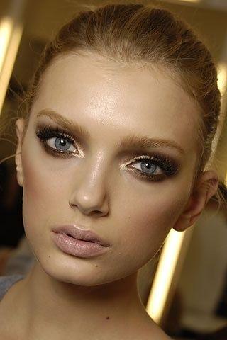 I want pretty: Make Up- Maquillaje para ojos café-bronce /Brown-Bronzed Eye Make Up!