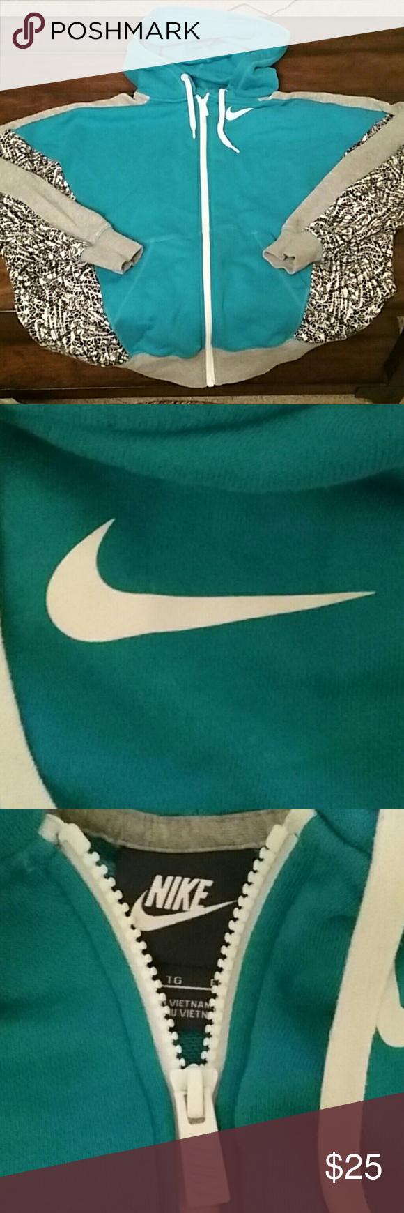 Nwot!!!  Nike New never worn, Nike zipper hoodie size XL Nike Jackets & Coats Lightweight & Shirt Jackets