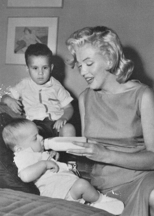 🌹🌹 Marilyn Monroe!! She would have made a Great Mom ... 6c492960ab