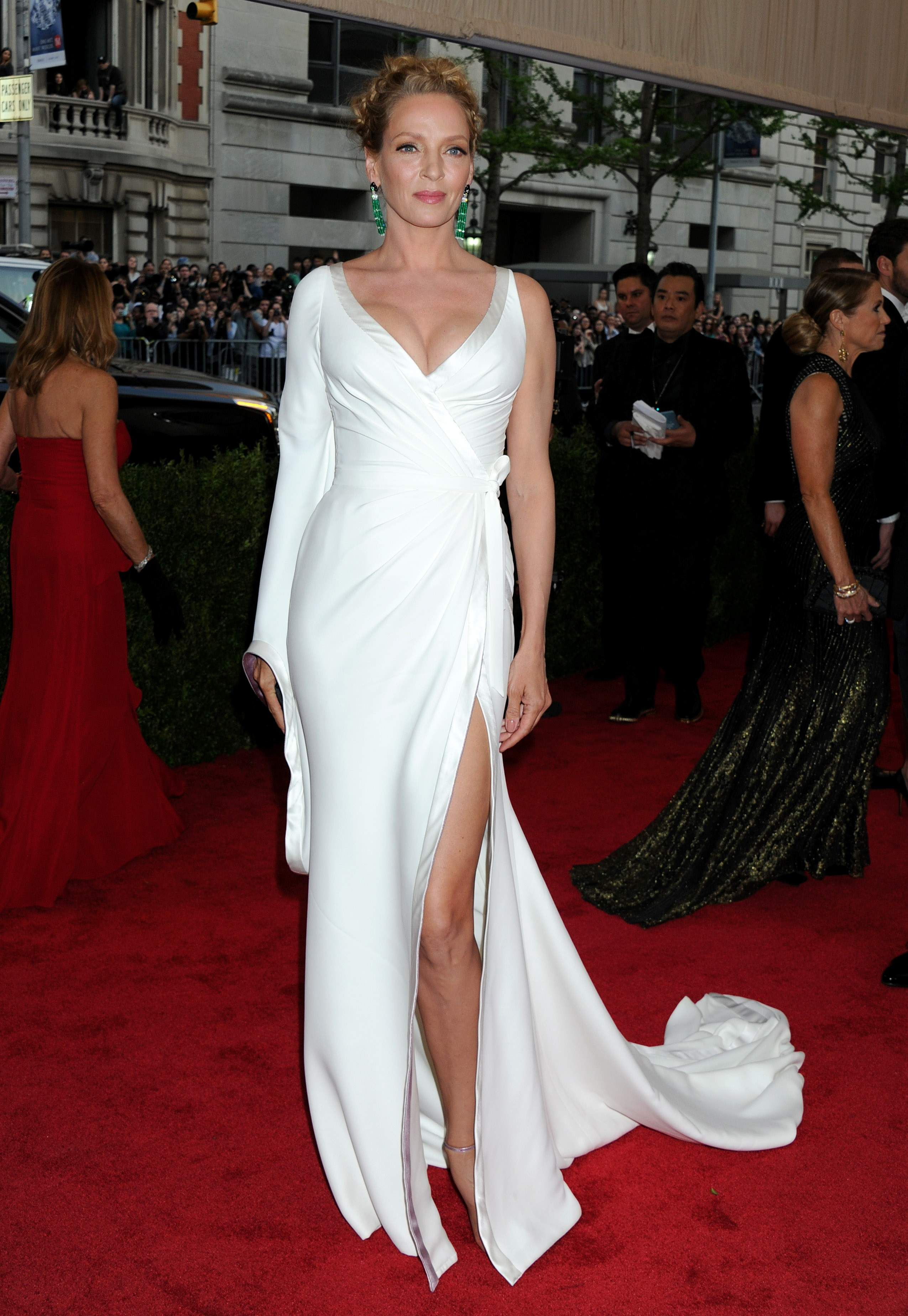 Uma Thurman attends the 'China: Through The Looking Glass' Costume Institute Benefit Gala at Metropolitan Museum of Art on May 4, 2015 in New York City