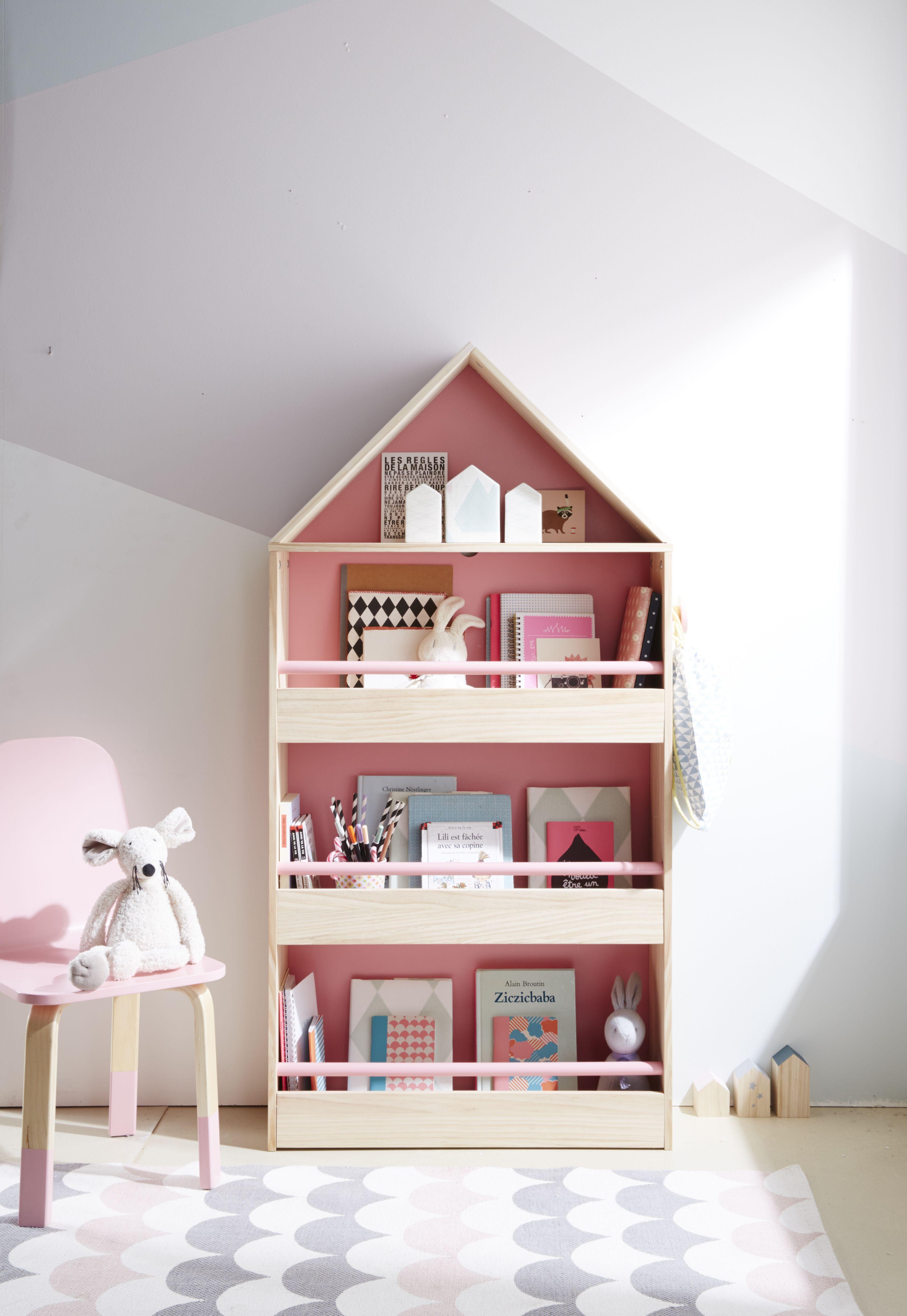 vertbaudet bibliotheque en forme de maison pour un charmant coin lecture ses petites barres de meuble rangement enfant deco chambre enfant chambre enfant