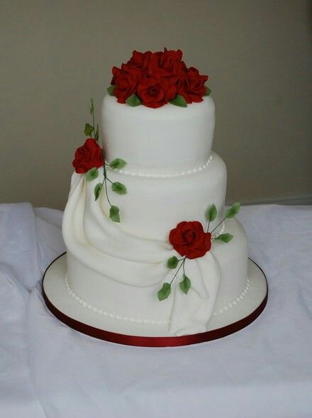 2 tier red and white wedding cakes pin de nydia rivero bautista en pasteles 10134
