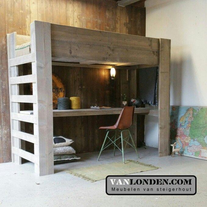 hoogslaper steigerhout met bureau en kast ideeà n voor het huis