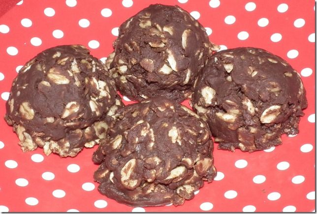 No bake Chocolate peanut butter oat cookies. (kinda healthy??)