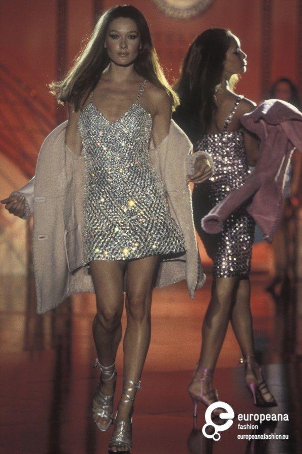 Carla Bruni Gianni Versace Autumn Winter 1994 Couture