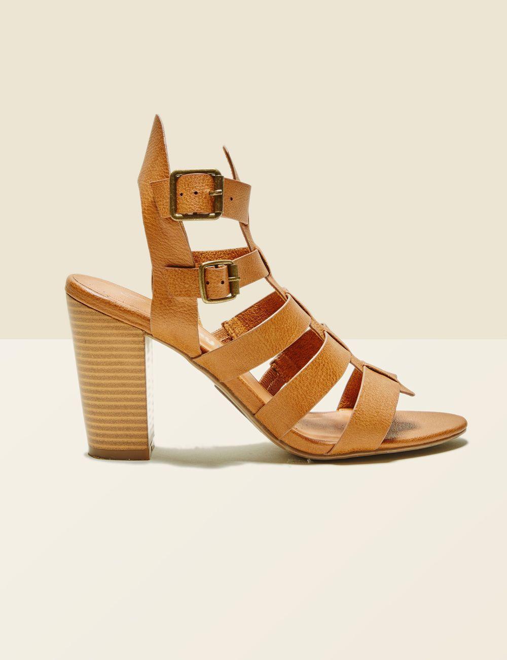 Retrouvez tout la collection Jennyfer Robe ✓Chemise ✓ Top ✓ Veste en jean✓  Maillot de bain ✓Combishort ✓ Jean ✓Bodies ✓. Chaussure Sandale