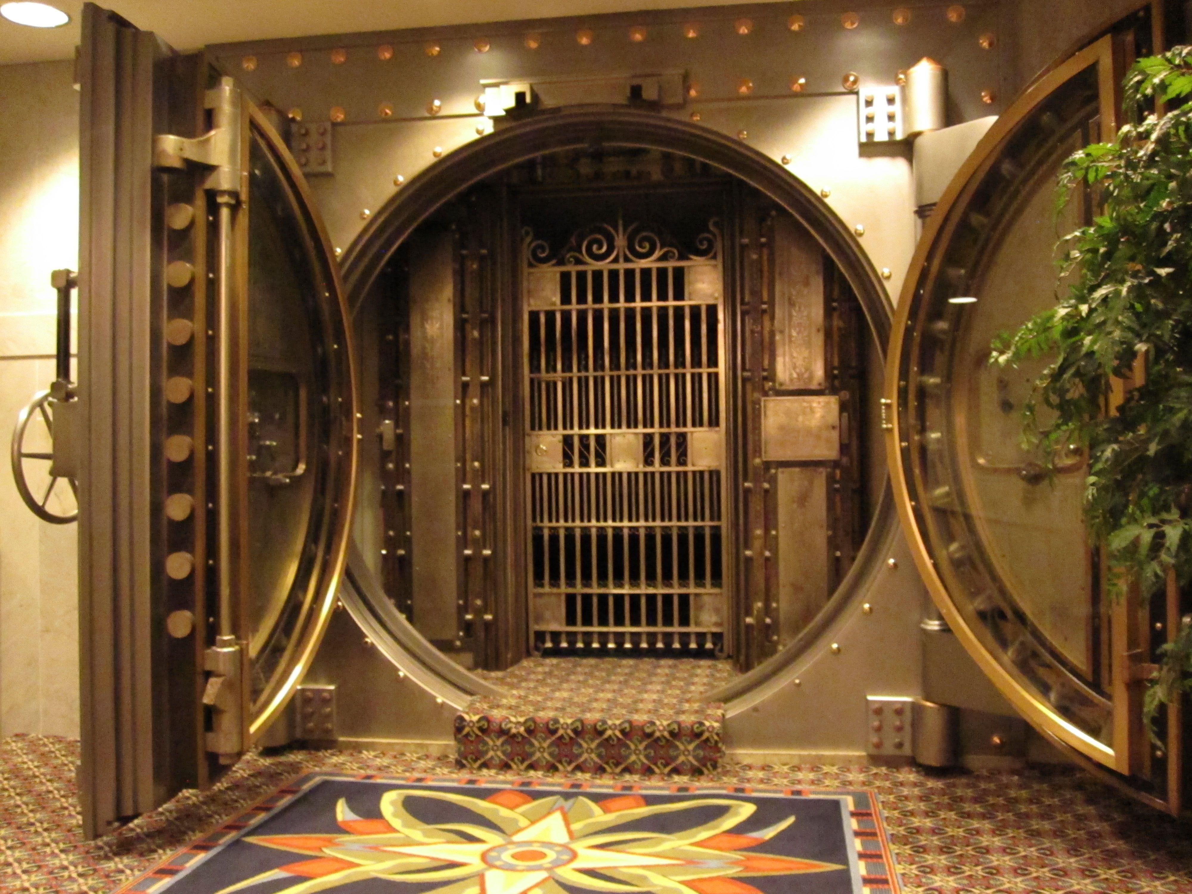 Bank Vault Bank Vault Security Pinterest Banks