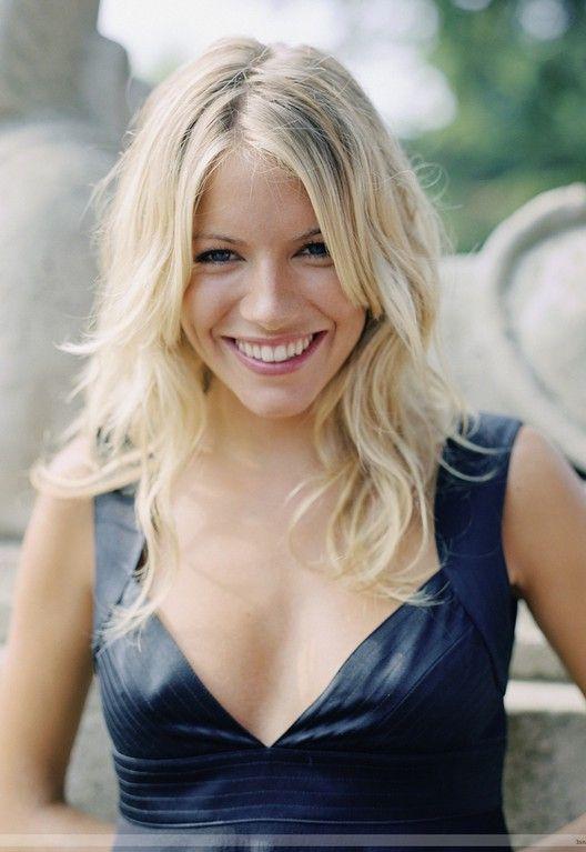 sienna miller's hairstyle: sexy shoulder length blonde wavy