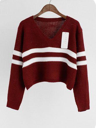 Cropped V-Neck Oversized Knit Sweater | Oversized knit sweaters ...