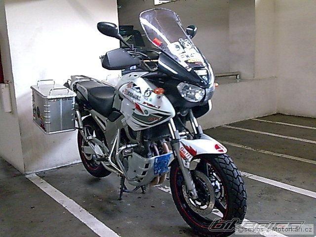 pneu tdm 900 motork sk f rum motork motor en motorfietsen. Black Bedroom Furniture Sets. Home Design Ideas