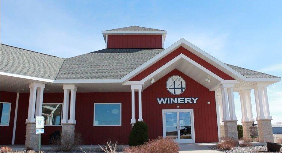 Door 44 Winery Visit Parallel 44 Vineyard And Winery Winery Doors House Styles