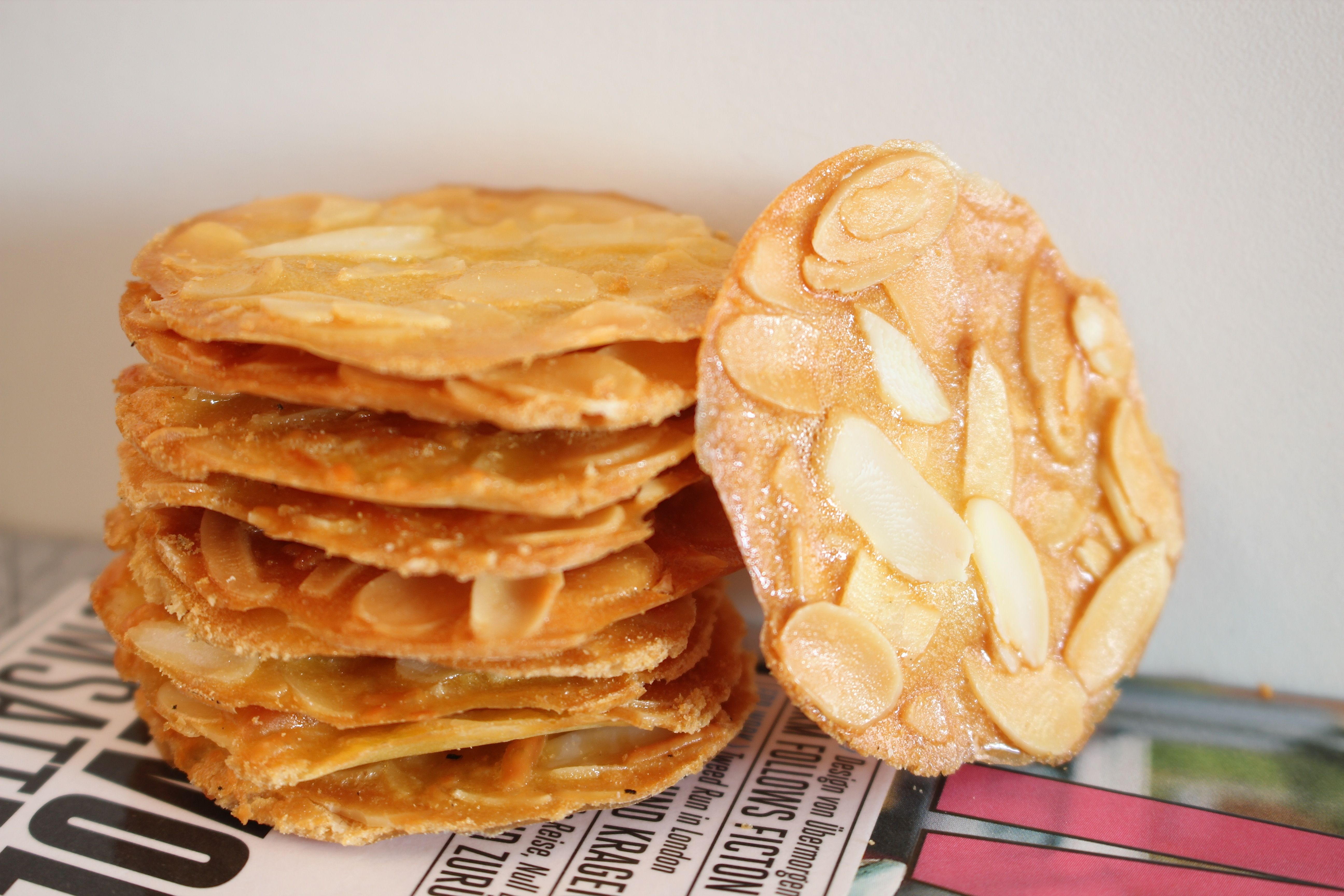 Almond Crispy Cookies Bilingual Eng Indonesia Almond Meal Cookies Almond Recipes Crispy Cookies