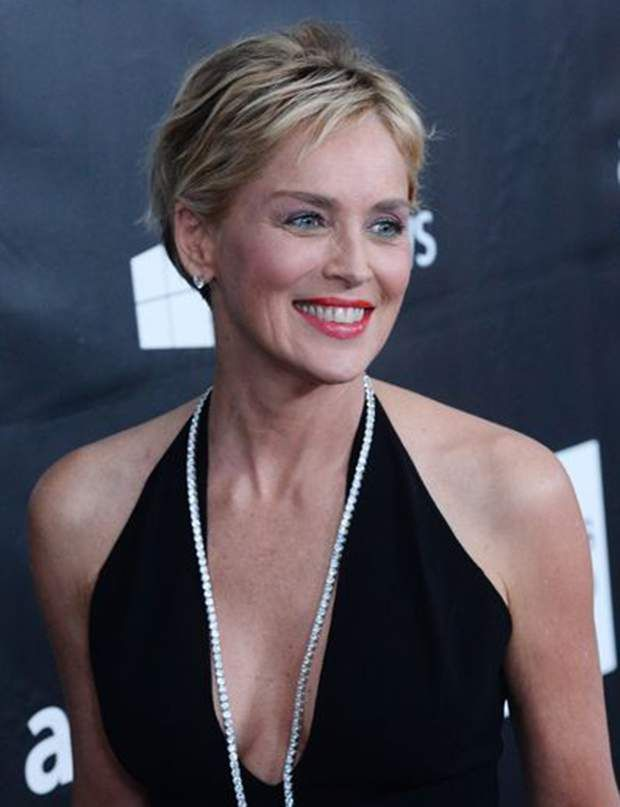 Quelle coupe de cheveux adopter 50 60 ans sharon stone for Coupe de cheveux sharone stone