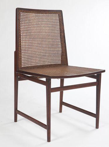 Cadeiras - Design Brasileiro Conjunto com 14 cadeiras, estrutura em jacarandá, assento e encosto em palhinha, design e execução brasileiros, Anos 60.