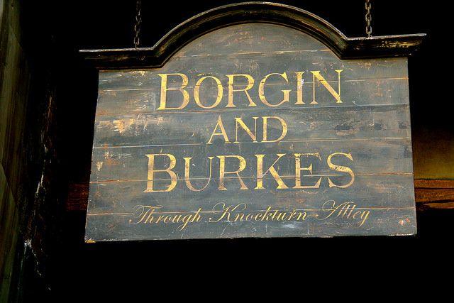 Borgin And Burkes In Knockturn Alley Harry Potter Decor Harry Potter Illustrations Harry Potter Wall