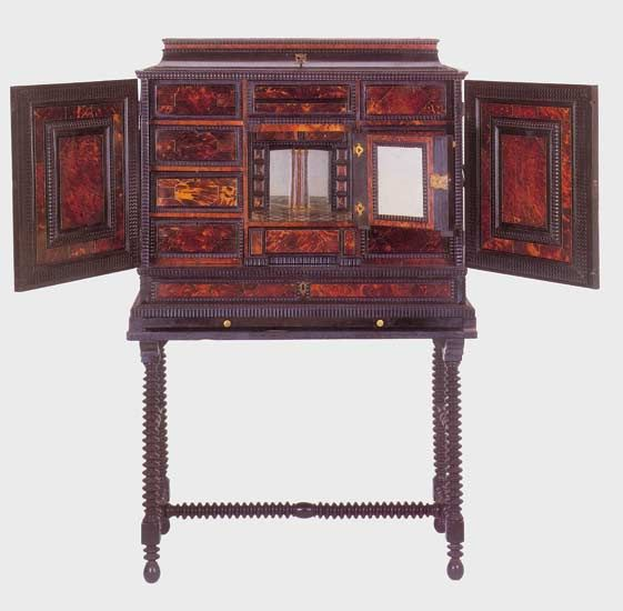 cabinet louis xiii recherche google style louis xiii pinterest meubles. Black Bedroom Furniture Sets. Home Design Ideas