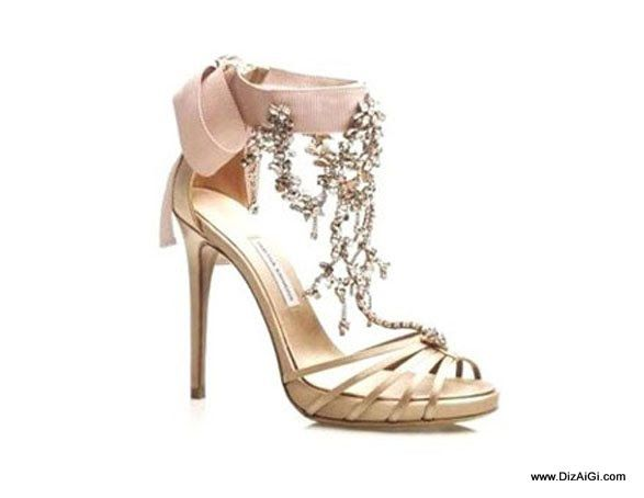 Sapatos Chiques Caros Os 10 Sapatos Mais Caros Do Mundo Sapatos Caros Sapatos Estilo De Sapatos