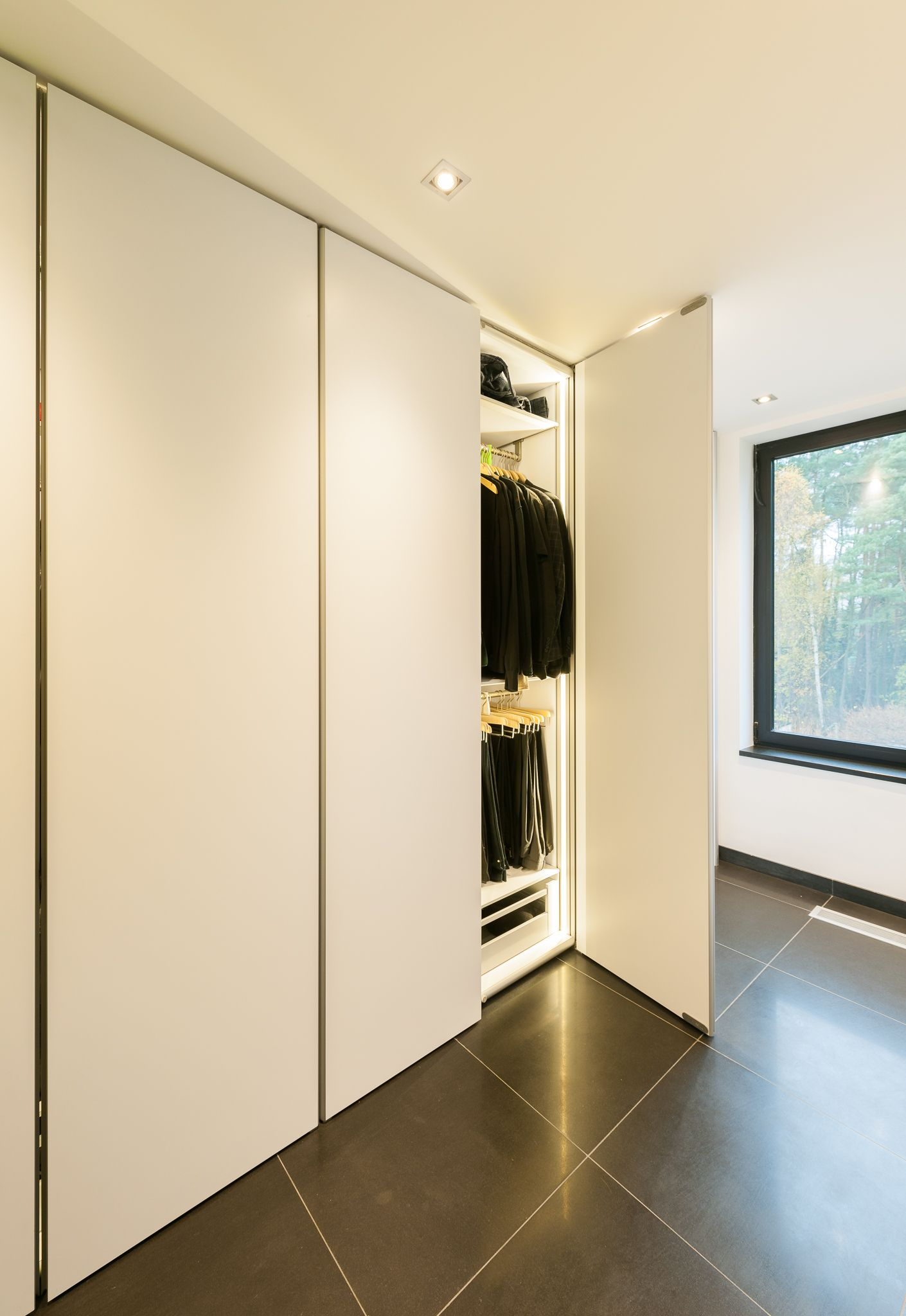 Loft bedroom fitted wardrobes  Strakke inbouwkastent  Home  Pinterest  Wardrobes Bedrooms and