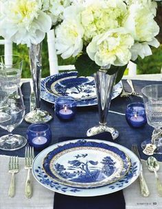 adore all of this blue and white & adore all of this blue and white | blueberry | Pinterest | Table ...