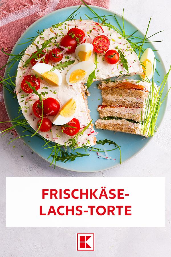 Torte mal anders. Man nehme Toastbrot, Lachs, Frischkäse und Frühlingskräuter und bekomme eine leckere Torte anderer Art. Unsere Frischkäse-Lachs-Torte ist ein perfektes Gericht für den nächsten Frühlingsbrunch. Sieht auch noch wie eine Wiese aus und kann man ganz einfach zu Hause nachmachen. Auf unsere Webseite erfahrt ihr, wie's geht. ;) #rezeptideen