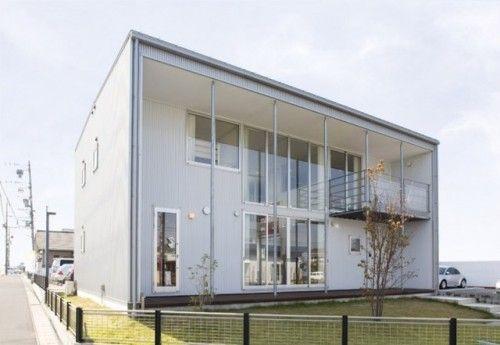 Minimalist Japanese Prefab House House window design