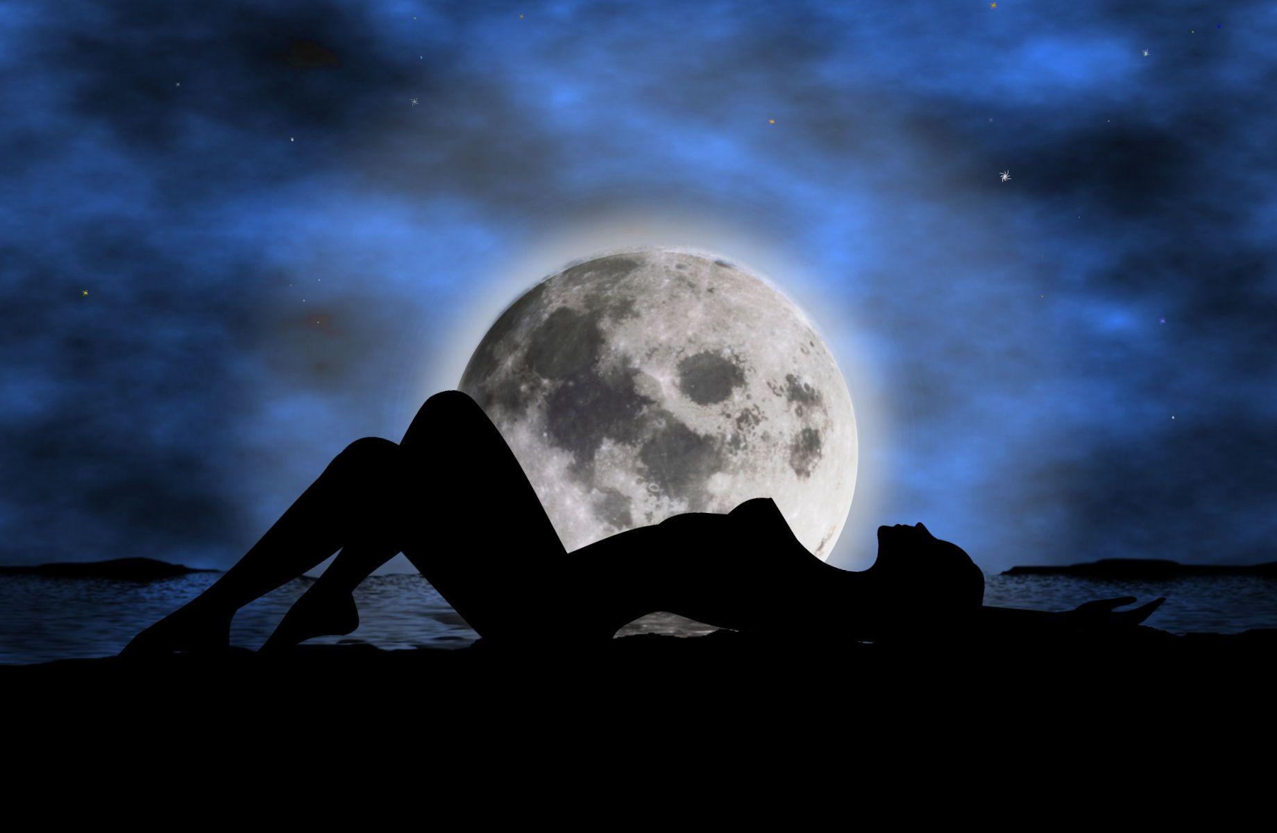 Moon light sex