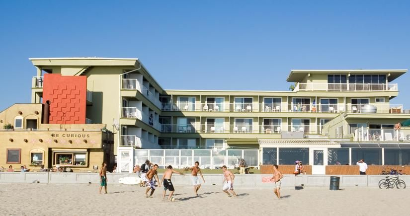 Surfer Beach Hotel Is Beachfront And Close To Many Bars In Pacific California