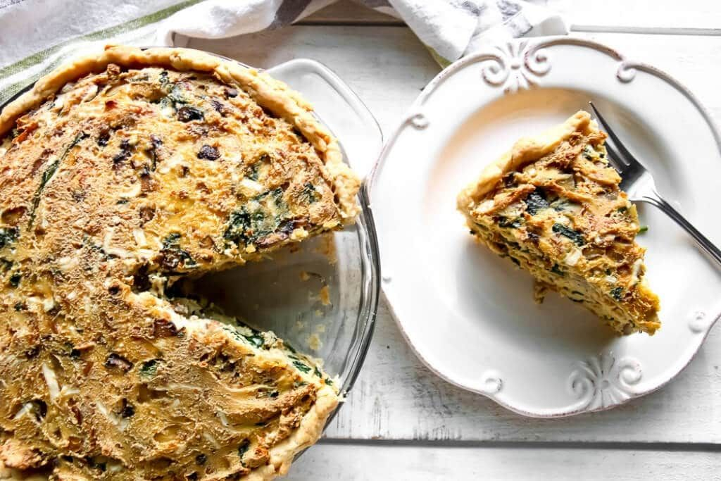 This Easy Vegan Quiche Recipe Is Seriously The Best Quiche You Will Ever Taste It S A Spin On A Classic Quiche Lorrain Vegan Quiche Easy Vegan Quiche Recipes