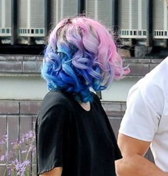 Riley Keough S Hair Blue Pink Hair Bright Hair Colors Two
