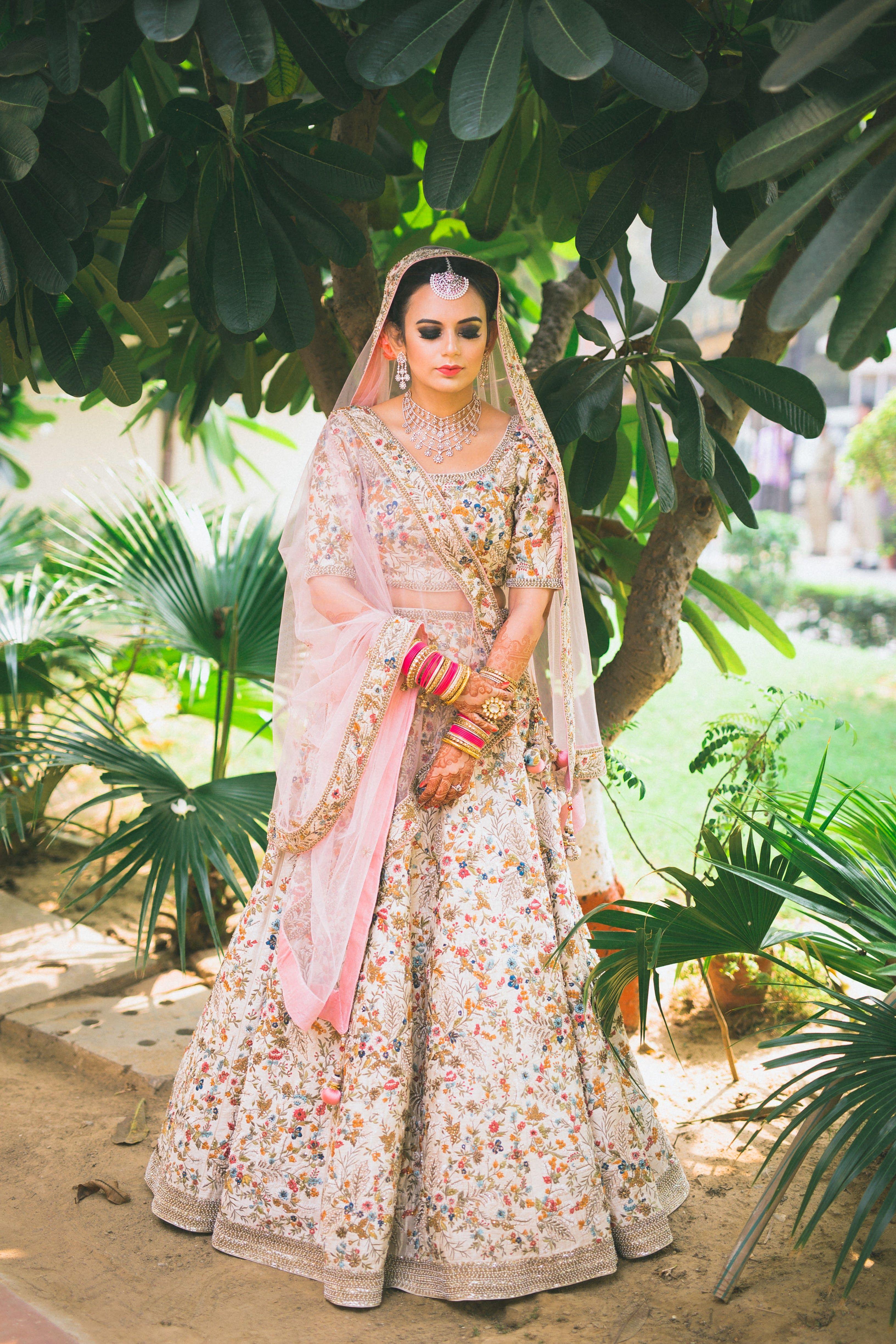 b11fc5054deb V E E • pinterest : @vandanabadlani• Indian wedding ideas and inspiration,  lehenga, suits, traditional, ceremony, jewellery indian, india, style  designer, ...