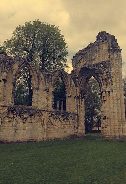 :: Church Ruins ::