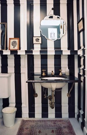 Des Rayures Sur Les Murs Floriane Lemarie Striped Walls Powder Room Design White Bathroom