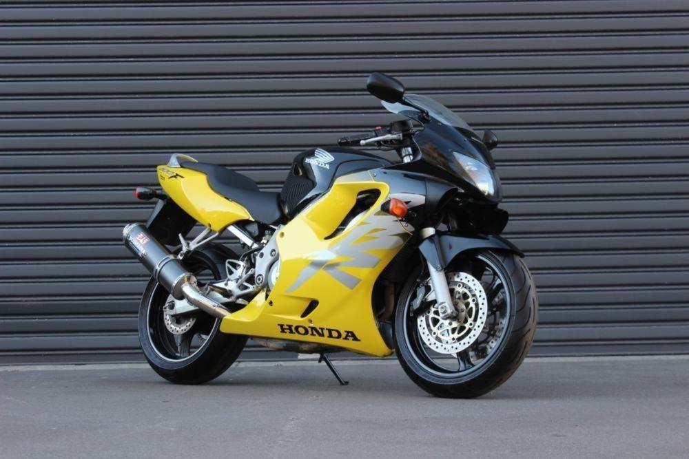 Sold Price 2000 Honda Cbr 600 F Ultima Light Super Sports 599cc 4 Cyl Motorcycle Unreserved Invalid Date Aedt Honda Cbr 600 Honda Cbr Cbr