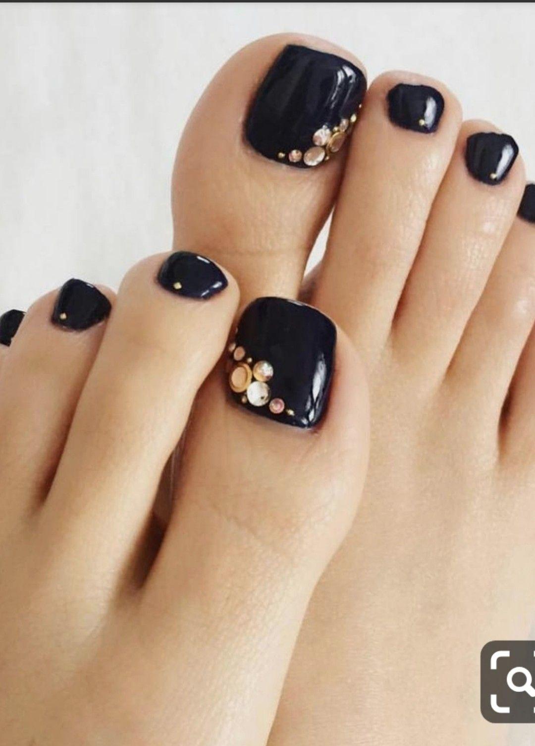 Pin By Eve O Hannigan On Nail Art Black Toe Nails Toe Nails Toe Nail Art