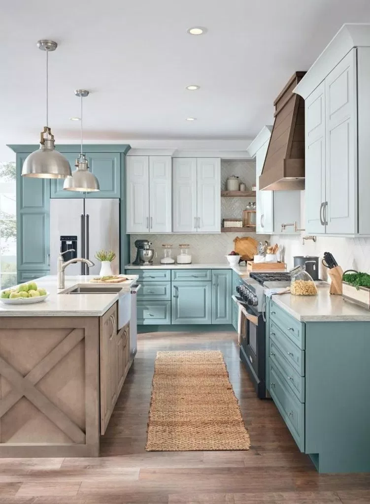 Stunning Kitchen Island Ideas #kitchenideas #kitchenislandideas » aesthetecurator.com #bestkitchenrenovationideas #kitchencrushes