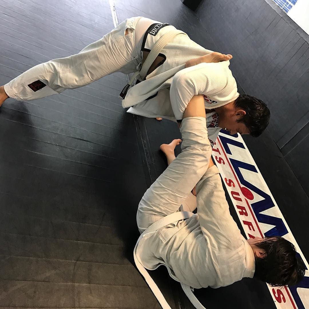 It has been said that ambition is the path to success & persistence is the vehicle you arrive in. Do you agree? Keep training for the time spent on the mats is the fuel for your vehicle  http://ift.tt/2bbkzn8 #jiujitsu #jj #bjj #newaza #artesuave #graciejiujitsu #grappling #submission #treino #gi #nogi #jiujitsugirls #jiujitsukids #bjjmalaysia #gratitude #jiujitsu4life #bjjlife #brazilianjiujitsu #jiujitsulifestyle #bjjlifestyle #bjjgirls #bjjkids #fitnessmotivation #fitness #fitnessjourney…