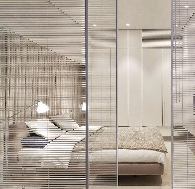 Minimalistic bedroom decor neutral tone