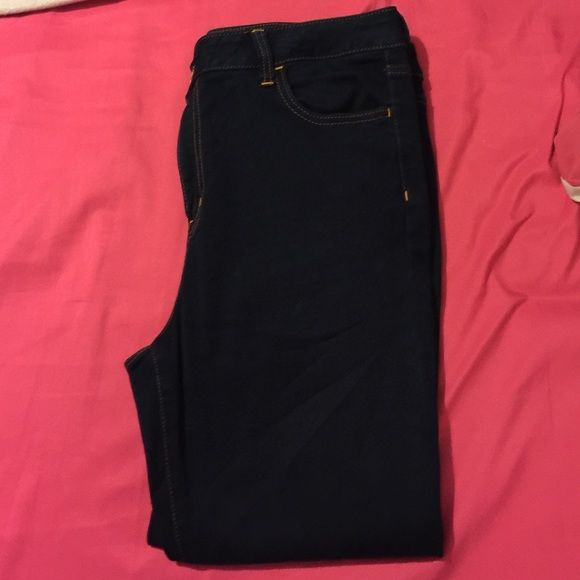 Hi-Rise Jeggings Crop AE They are high waisted and are also cropped from the bottom. Never worn American Eagle Outfitters Pants Ankle & Cropped