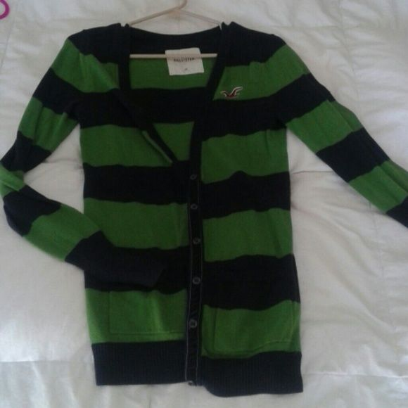 Tunic cardigan Hollister brand long cardigan. Navy and green stripe, front pockets. Super cute with jeans and boots Sweaters Cardigans
