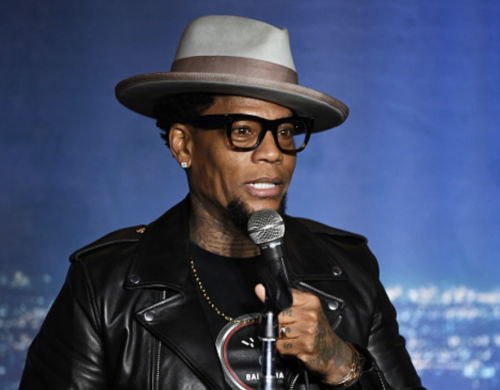 D.L. Hughley Passes Out On Stage During StandUp Comedy